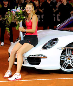 Maria Sharapova wins a Porche 911 in Stuttgart Porsche Tennis Grand Prix